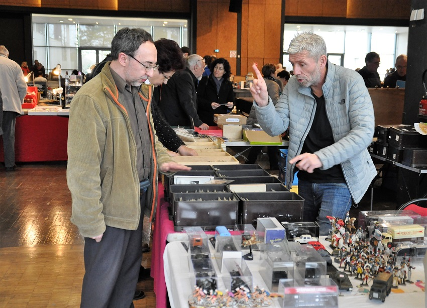 bourse St Benoît 2018 - Eric en négociation avec Arnaud